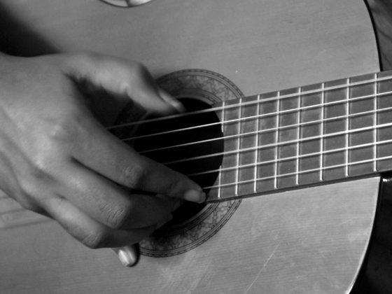 5 sposobów na walkę gitarzysty z tremą, czyli jak dobrze przygotować się do występu